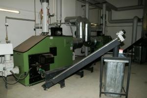 Hackgut-Kessel Fabrikat: HDG 200 kW